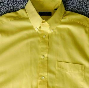 Roundtree & Yorke Short Sleeve Shirt